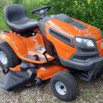 Prednosti in slabosti vrtnega traktorja Husqvarna YTH24V48 24 HP