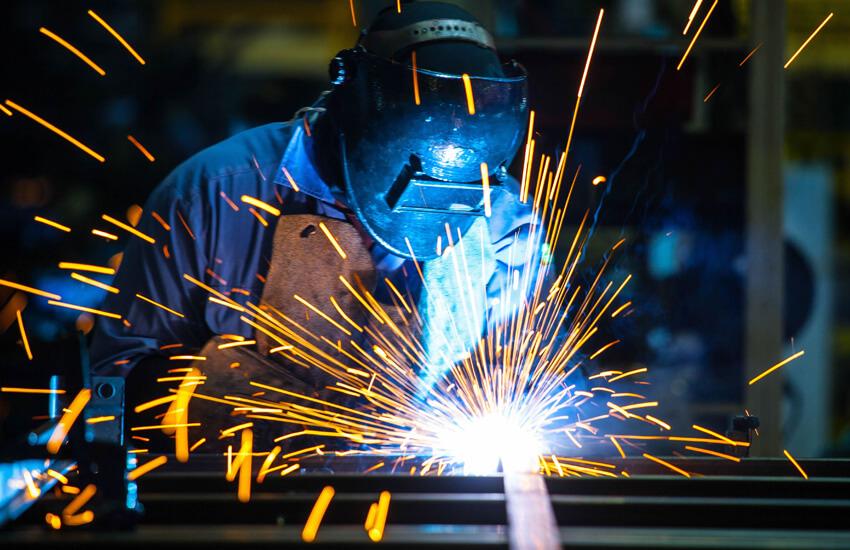 Poškodba pri delu je pogost razlog za bolniško odsotnost